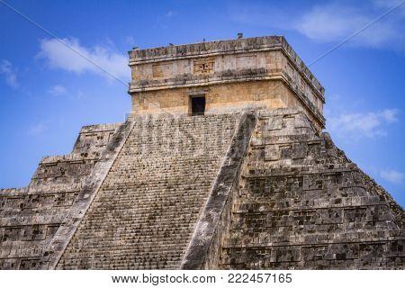 Kukulkan pyramid in Chichen Itza, Mexico