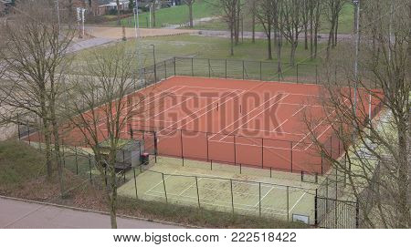Tenniscourt in the winter - Waiting to be used