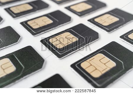 many of the same SIM cards in the ranks of the grey card in large numbers, for phones