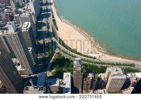 Aerial view of Lake Shore Drive and Oak Street Beach in Chicago, USA
