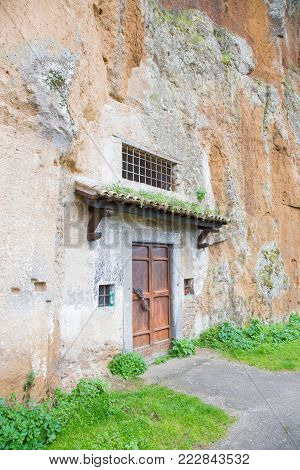 The Church S. Crocefisso del Tufo Orvieto, dug in the tuff can be encountered along the ring of the cliff.