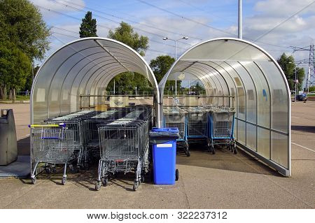 Muiden, The Netherland - September 15, 2019: Lidl And Albert Heijn Shopping Trollies In A Trolley Ba
