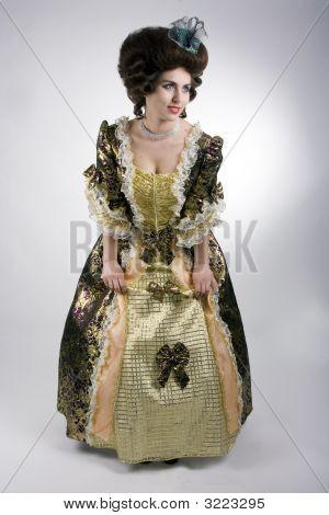 Vintage Fashion Decolletes