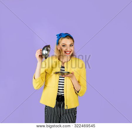 Presentation. Restaurant Serving. Waiter. Smiling Woman Holds Food Tray In Restaurant. Pinup Girl Ho