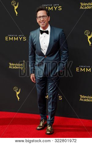 LOS ANGELES - SEP 14:  Dan Bucatinsky at the 2019 Primetime Emmy Creative Arts Awards at the Microsoft Theater on September 14, 2019 in Los Angeles, CA