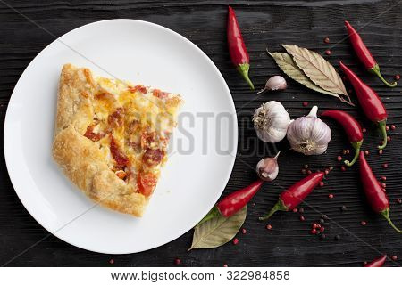 Pizza Plate Pepper Chili Spices Top View Food Photo