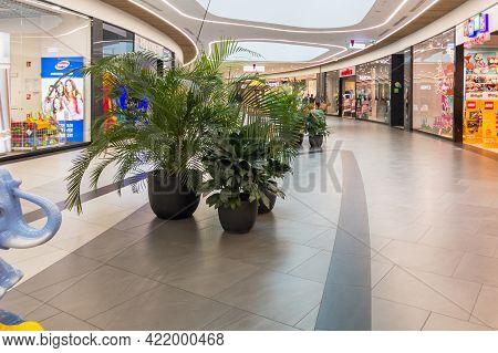 Zabrze. Poland 8 Maj 2021. Shopping Mall People In Platan City Center. People Shopping In Modern Com