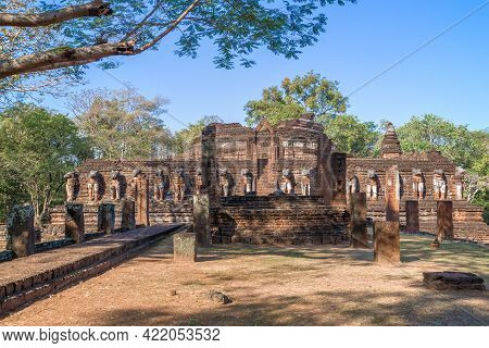 Ruins Of The Ancient Buddhist Temple Wat Chang Rob On A Sunny Day. Kamphaeng Phet. Thailand