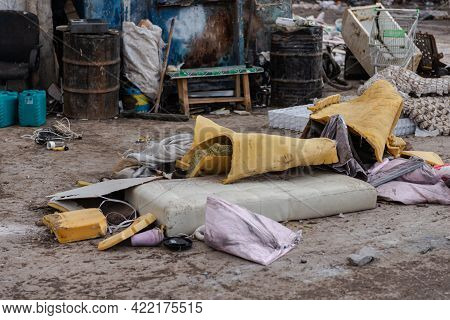 Disassembly Of Old Mattresses. At The Landfill, Old Mattresses Are First Unpacked, And Then Sent To
