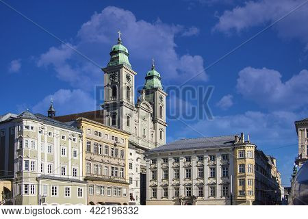 Old Cathedral Or Alter Dom At The Main Square, Hauptplatz In Linz, Austria.