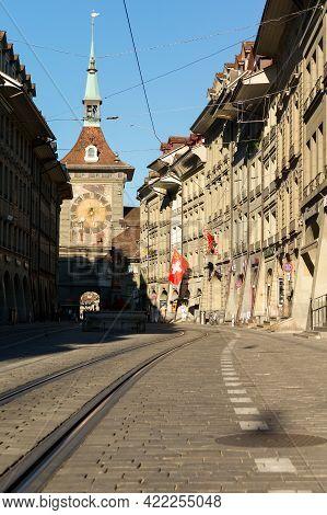 Bern, Switzerland - July 16, 2019: Clock Tower In The Old Town Of Bern City. Switzerland