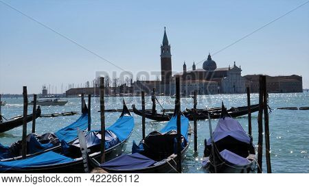 Venetian Canal Boats Water Italy \nsummer Sun