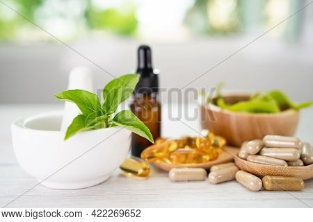 Alternative Medicine Herbal Organic Capsule With Vitamin E Omega 3 Fish Oil, Mineral, Drug With Herb