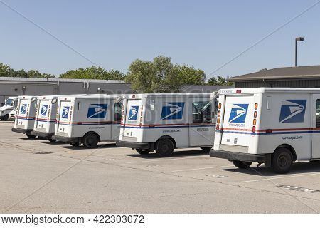 Carmel - Circa May 2021: Usps Post Office Mail Trucks. The Post Office Is Responsible For Providing