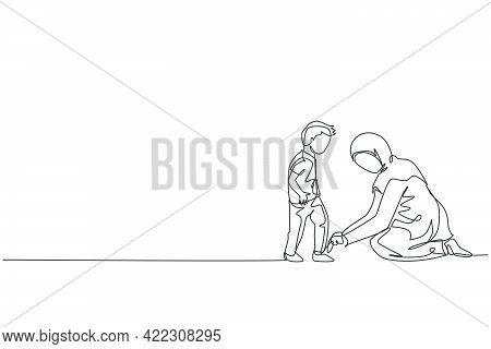 One Single Line Drawing Of Young Islamic Mom Help Her Son To Tie Shoelace Before Go To The School Ve