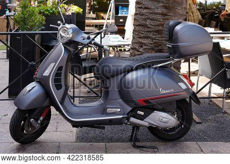 Bordeaux , Aquitaine France - 05 27 2021 : Vespa 125 Modern Neo-retro Style Of Scooter Retro Vintage