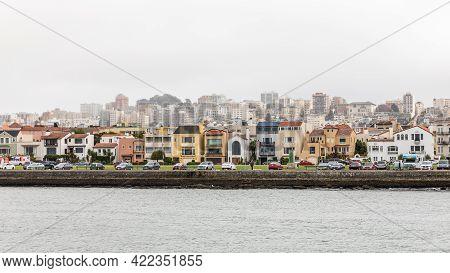 San Francisco, California, Usa - September 28, 2019 : Panoramic View On Waterfront Street Of Colorfu
