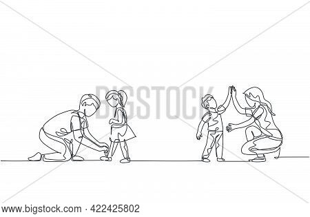Single Continuous Line Drawing Of Young Mom Giving High Five To Son And Dad Tying His Daughter Shoel