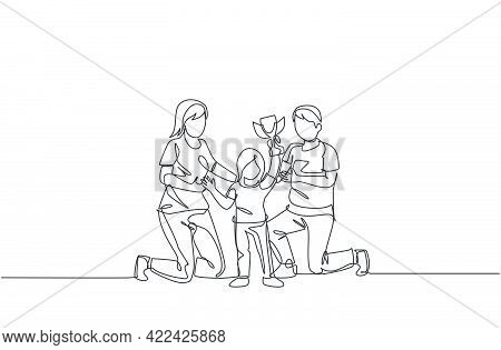 Single Continuous Line Drawing Of Little Girl Celebrate Trophy Victory With Her Parent After Winning