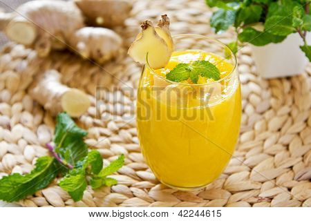 Mango With Ginger Smoothie