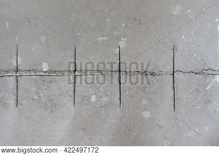 Cut In The Gray Screed To Avoid Movement