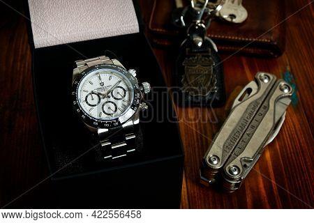 2021-06-03 Pagani Design Chronograph Sport Wrist Watch, Homage Wrist Watch Of The Rolex Cosmograph D