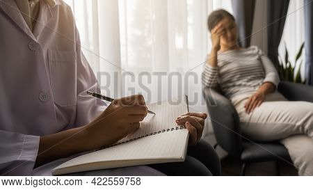 Psychiatrist Or Professional Psychologist Consulting On Diagnostic Examination Disease Or Mental Ill