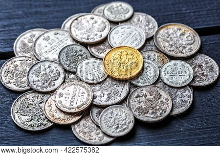 Gold And Silver Coins Of The Russian Empire19 - 20 Century In The Background Kopyur.five Rubles Nich