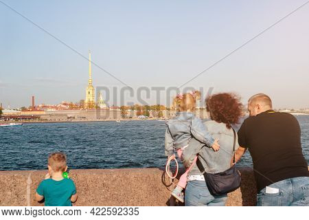 Family On The Bank Of The Neva River On A Sunny Day, Peter And Paul Fortress, September 2020, Editor