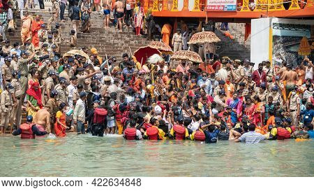 Haridwar, Uttarakhand India April 06, 2021. A Dip Of Spirituality And Faith, Maha Kumbh 2021. Mornin