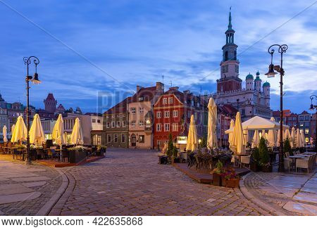 Poznan. Old Town Square With Famous Medieval Houses At Sunrise.