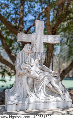 Santa Inez, Ca, Usa - April 3, 2009: San Lorenzo Seminary. Station Of The Cross Number 13 White Marb
