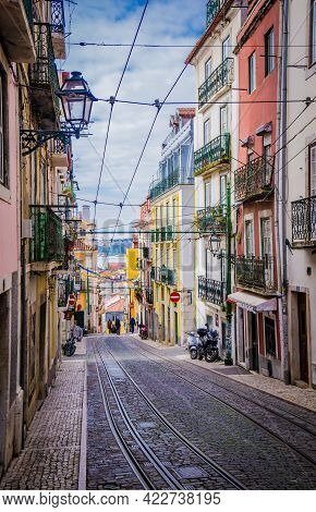 Lisbon, Portugal - March 25, 2017: Typical Street Of The City Center Of Lisbon With Vintage Building