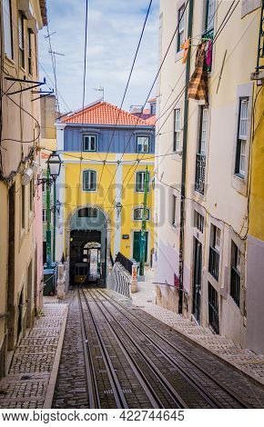 Lisbon, Portugal - March 25, 2017: Funicular Of Lisbon, Portugal. Old Vintage Buildings Of City Cent