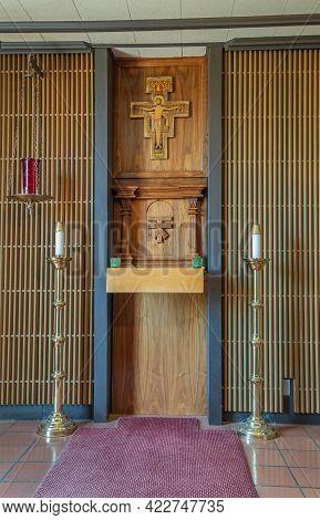 Santa Inez, Ca, Usa - May 26, 2021: San Lorenzo Seminary, Inside Church, Small Chapel Altar With Jes