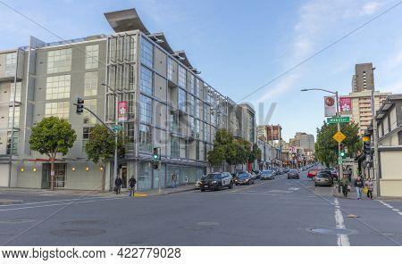 San Francisco,california - April 19,2018 : View Of San Francisco\'s Japantown At Twilight Time In Sa