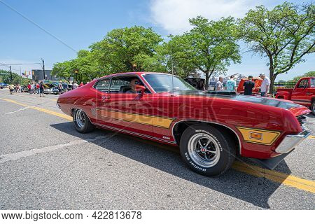 Mt. Clemens, Michigan - Usa - 06-05-2021: Mt. Clemens 2021 Hot Rod City Classic Car Show And Cruise
