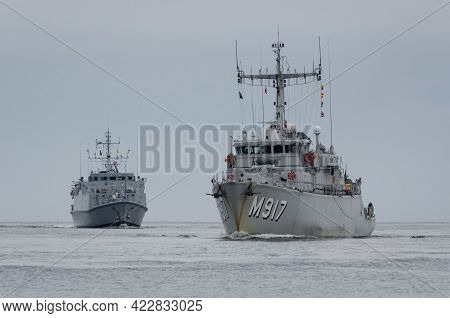 Baltic Sea - Poland - 2021: Minehunter Ships Of The Belgian Navy And The Royal Navy Sail On The Sea