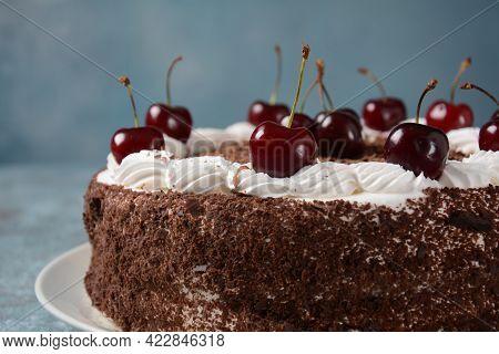 Black Forest Cake, Schwarzwald Pie, Dark Chocolate And Cherry Dessert . Black Forest Cake Decorated