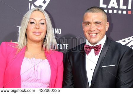 LOS ANGELES - JUN 2:  Lee Croc and wife at the 7th and Union Premiere -  Los Angeles Latino International Film Festival at the TCL Chinese Theater IMAX on June 2, 2021 in Los Angeles, CA