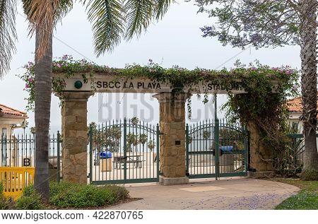 Santa Barbara, Ca, Usa - June 2, 2021: City College Facilities. Flowers Cover Top Of La Playa Stadiu