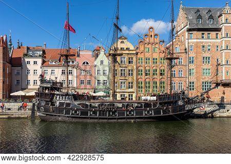 Gdansk, Poland - September 9, 2020: Passenger Harbor On The Motława River - A Replica Of A Galleon A