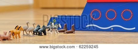 Noah's Ark With Animals From Toys