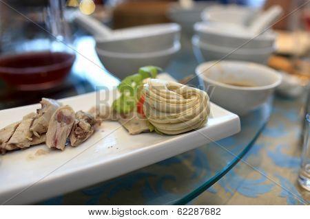 Szechuan Chicken And Bun