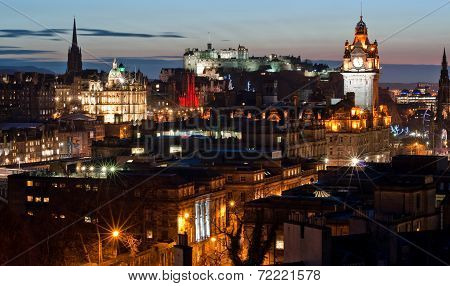 Edinburgh cityscape at dusk