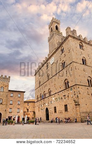 Volterra, Central Square With Palazzo Dei Priori