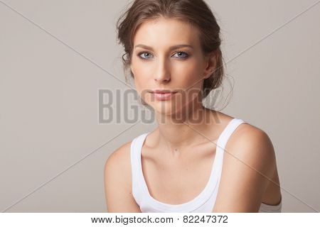 Face of a beautiful young brunette woman