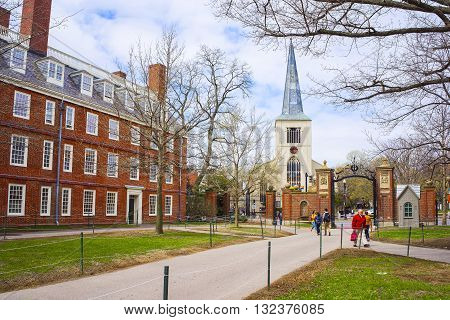 First Parish Church And Tourists In Harvard Yard