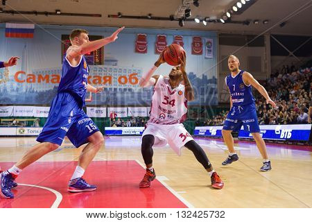 Bc Krasnye Krylia Guard Bracey Wright (34) With Ball