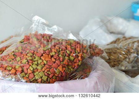 pet food packing in sack bag on pet shop